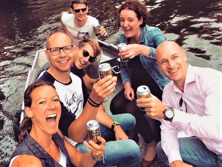 Amsterdam günstige Grachtenfahrt Boats4rent Bootsverleih