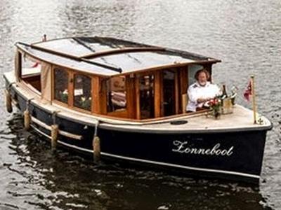 Boot Mieten für eine Private Grachtenfahrt in Amsterdam